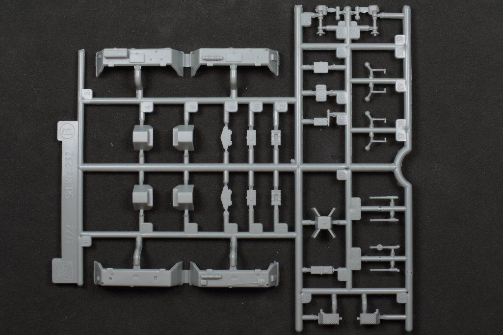 Review_sdkfz231_Dragon_10 Sd.Kfz. 231 Schwerer Panzerspähwagen 8-Rad in 1:72 von Dragon 7483