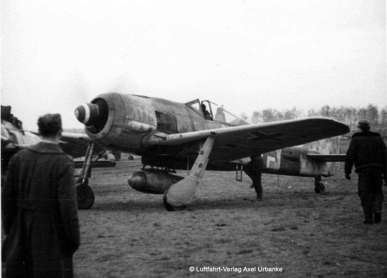 03874-Fw190-A-8-Sturmbock-c-Luftfahrtverlag Revell-Neuheiten 2019 - das II. bis IV. Quartal