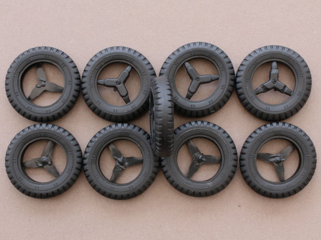 Reifen-Hänger Faun L900 mit SdAh 115 1:35 Das Werk (#35003)