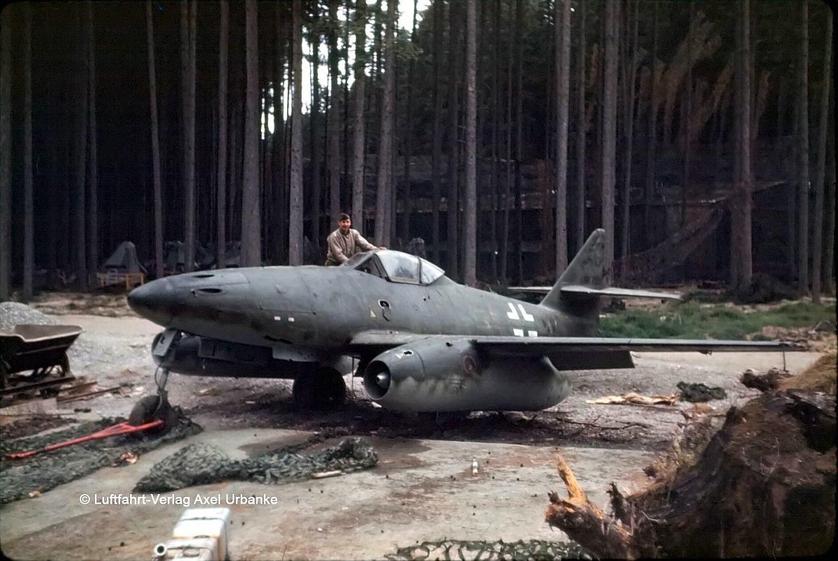 Revell-03875-Me262-A-1-Jetfighter-c-Luftfahrtverlag Revell-Neuheiten 2019 - das II. bis IV. Quartal