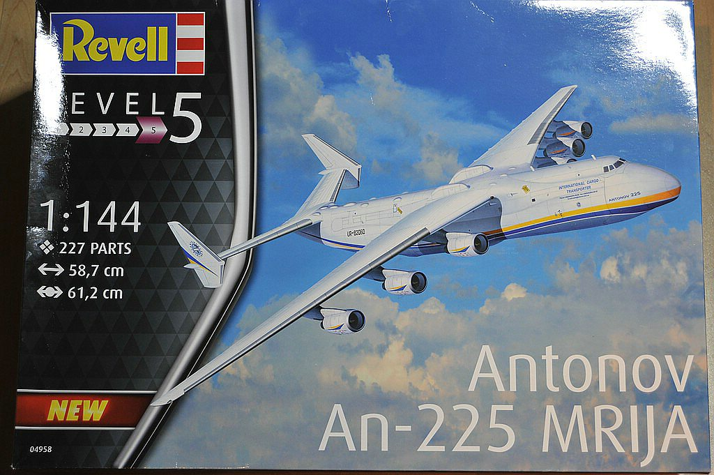 Revell-04958-Antonov-An-225-Mrija-1 Antonov An-225 MRIJA in 1:144 von Revell 04958