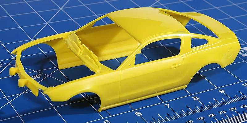 Revell-07046-2010-Ford-Mustang-GT-34 Ford Mustang GT 500 2010 im Maßstab 1:25 von Revell 07046