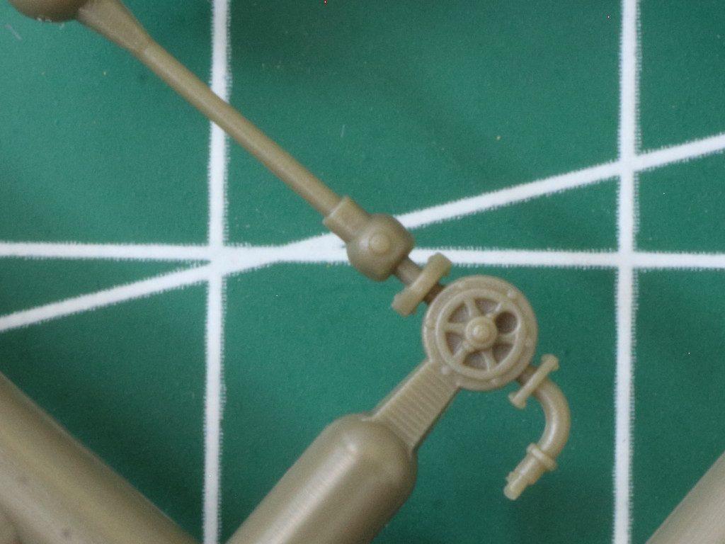 Details4-1024x768 WWII German 20L Jerry Can & 200L Fuel Drum Set 1:72 Bronco (#GB7020)