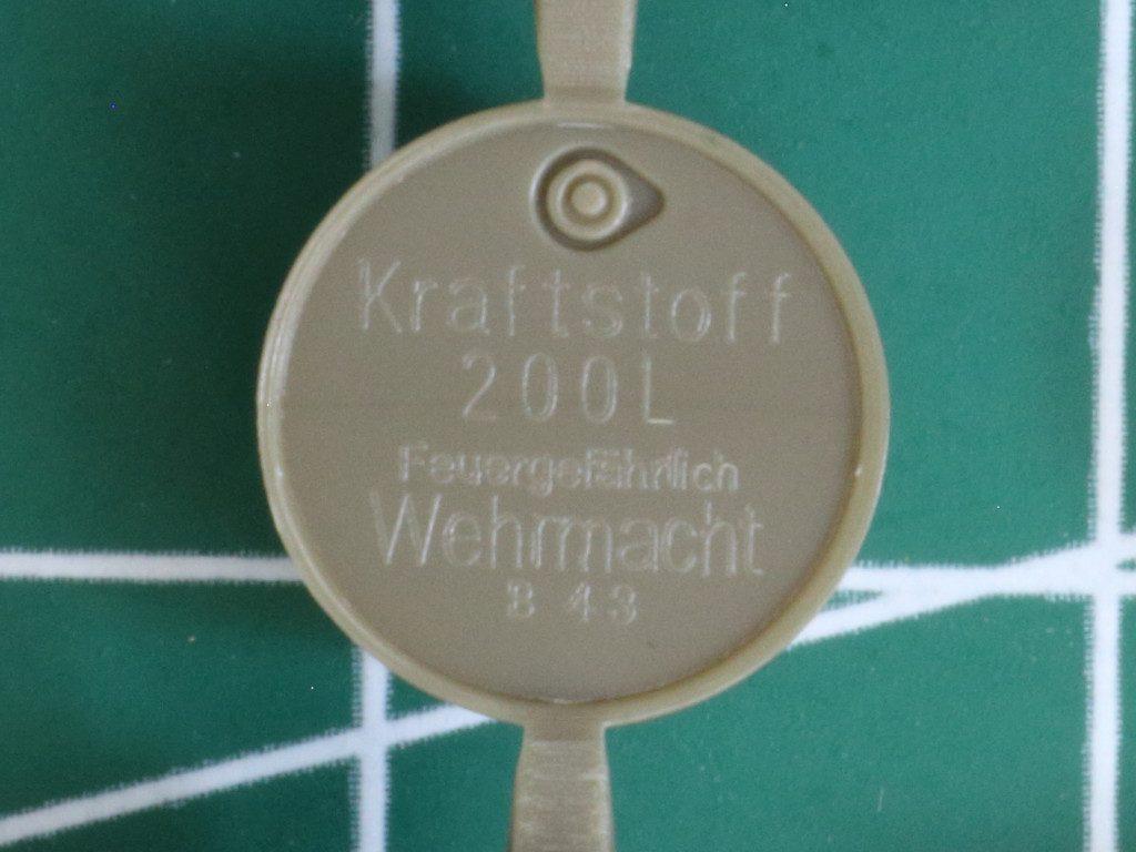 Details7-1024x768 WWII German 20L Jerry Can & 200L Fuel Drum Set 1:72 Bronco (#GB7020)