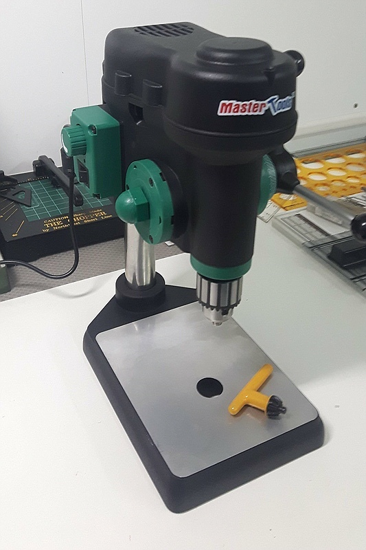 MasterTools-8505-Tischbohrmaschine-2 Tischbohrmaschine von MasterTools (HobbyBoss / Trumpeter) 08505