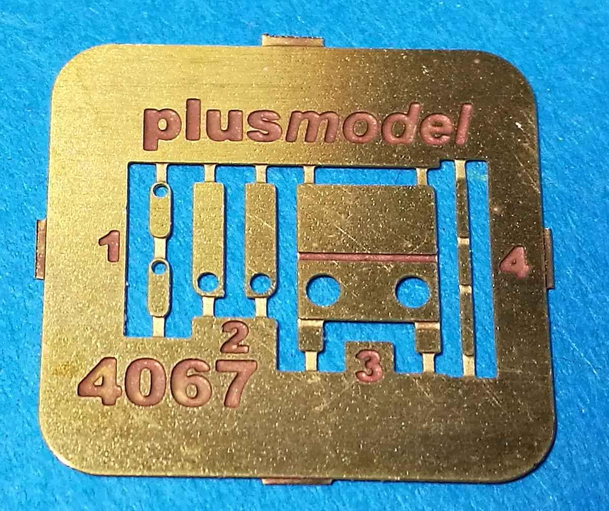 PlusMOdel-AL-4067-Flightline-Extinguisher-17 Flightline Extinguisher im Maßstab 1:48 von PlusModel AL 4067