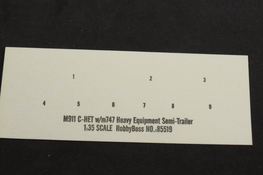 Review_Hobby-Boss_M911_C-HET_060 M911 C-HET with M747 Heavy Equipment Semi Trailer - Hobby Boss 1/35