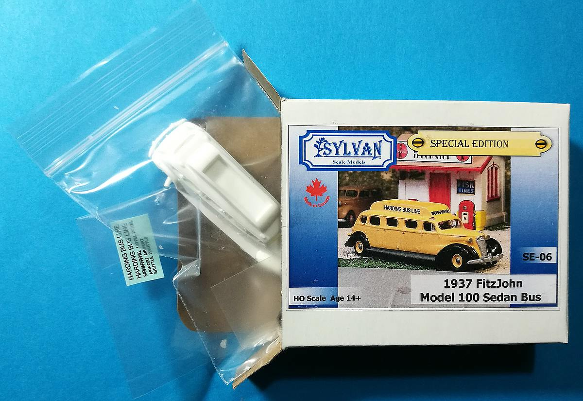 Sylvan-SE-06-1937-FitzJohn-Model-100-Sedan-Bus-19 1937 FitzJohn Model 100 Sedan Bus im HO-Maßstab 1:87 von Sylvan SE-06