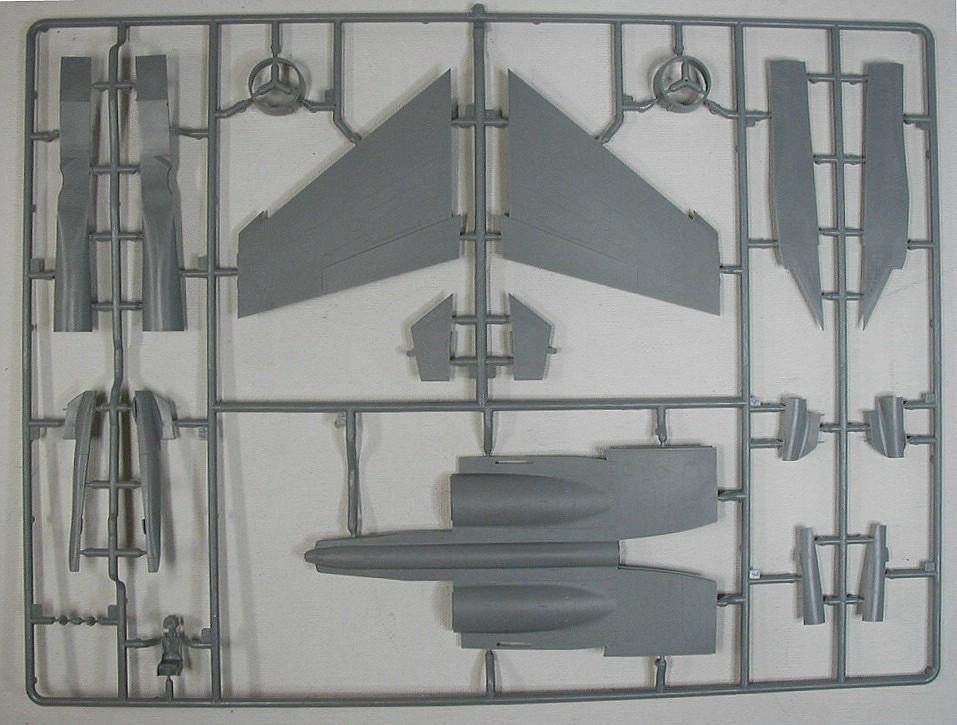 Zvezda-7294-Su-27UB-20 Suchoj Su-27UB im Maßstab 1:72 von Zvezda 7294