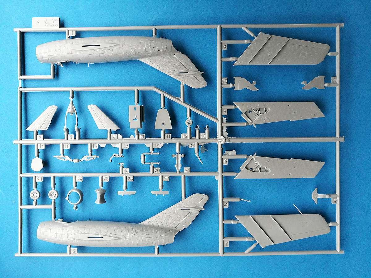 Zvezda-7317-MiG-15-9 MiG-15 in 1:72 von ZVEZDA 7317