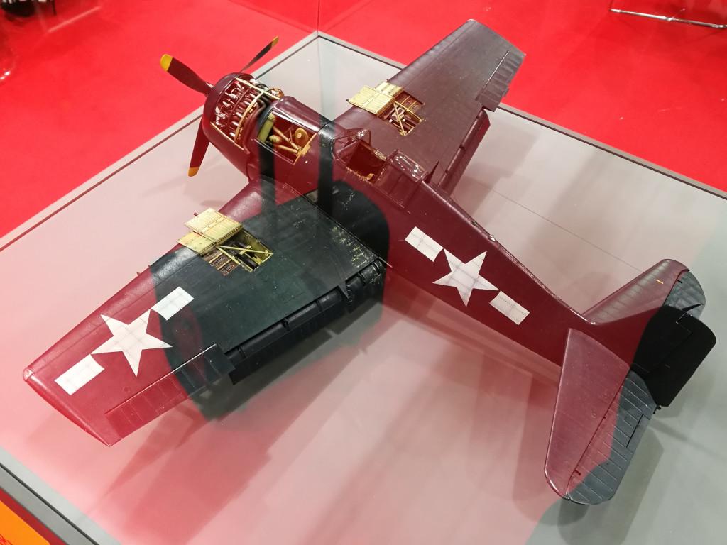 11 Airfix bringt Grumman F6F-5 Hellcat 1:24 !