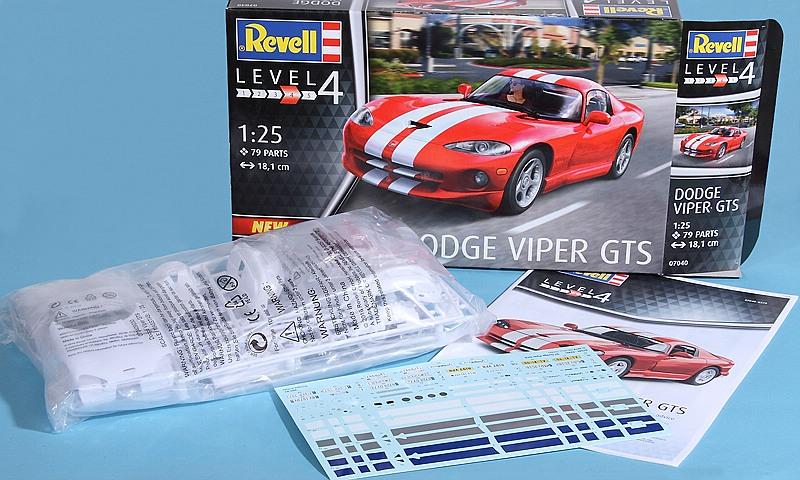 Revell-07040-Dodge-VIPER-GTS-7 Dodge Viper GTS im Maßstab 1:24 von Revell 07040