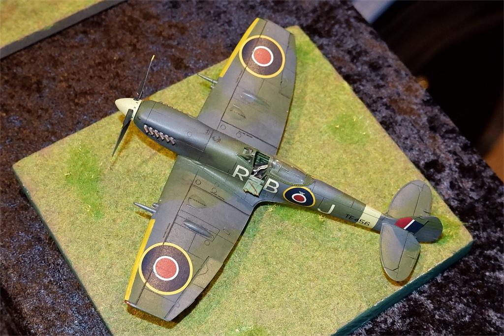 04_Spitfire-Mk-XVI_Eduard_RBoJ_DSCF0736 Supermarine Spitfire Mk. XVI in 1:72 als OVERTREE von EDUARD #70124, #70125, #70126 und #70124