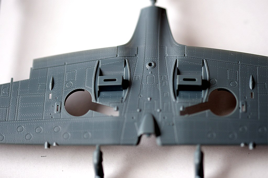 Eduard-217-Spitfire-Mk.-XVI-Dual-Combo-6 SUPERMARINE SPITFIRE Mk.XVI IN 1:72 ALS DUAL COMBO VON EDUARD #2117