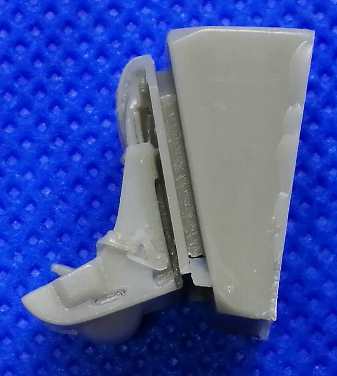 Quickboost-QB-48401-Spitfire-Seat-with-seatbelts-2 Zubehör die Spitfire Mk. 22/24 in 1:48 von Quickboost