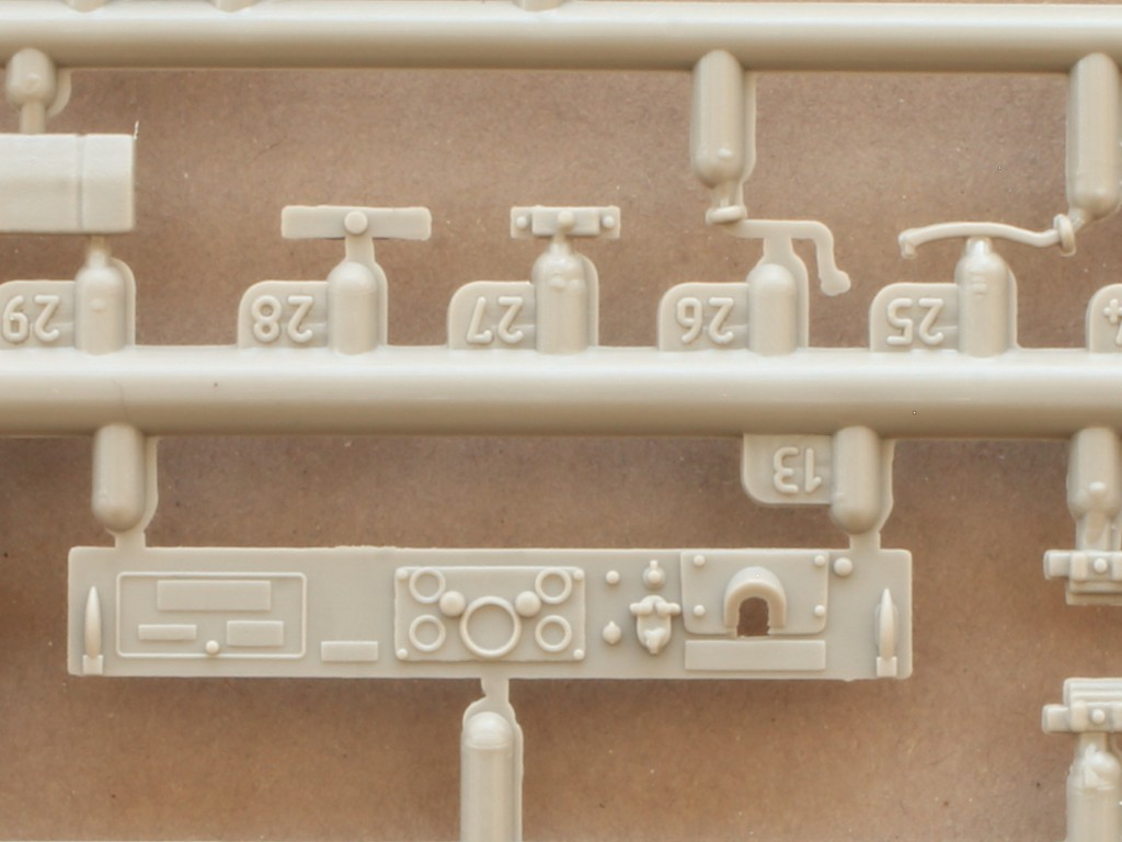 b-7 M43 Ambulance 1:35 Roden (#811)