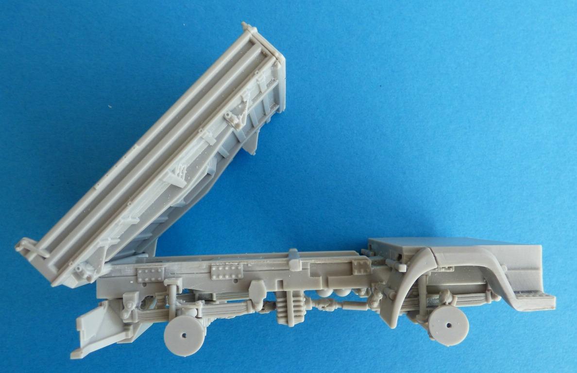 CMK-8056-MAN-LE-10.20-Rahmen-montiert-4 MAN LE 10.220 Flugzeugschlepper in 1:48 von CMK #8056