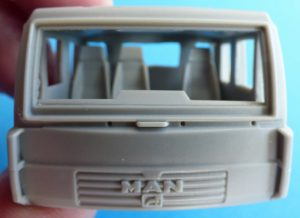 CMK-8056-MAN-LE-10.220-Fahrerhaus-mintiert-1-300x218 CMK 8056 MAN LE 10.220 Fahrerhaus mintiert (1)