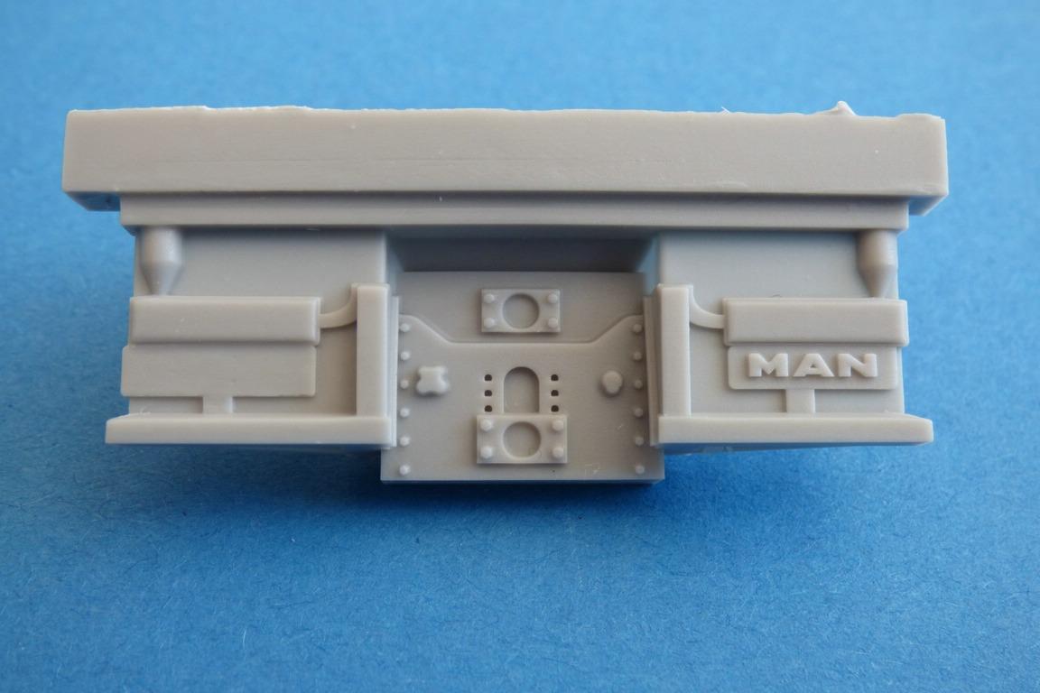 CMK-8056-MAN-LE-10.220-Heckplatte MAN LE 10.220 Flugzeugschlepper in 1:48 von CMK #8056