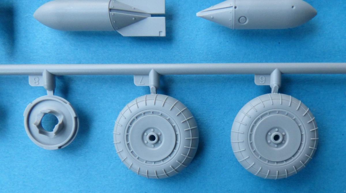 ICM-48264-Heinkel-He-111-H-20-74 Heinkel 111 H-20 in 1:48 von ICM #48264