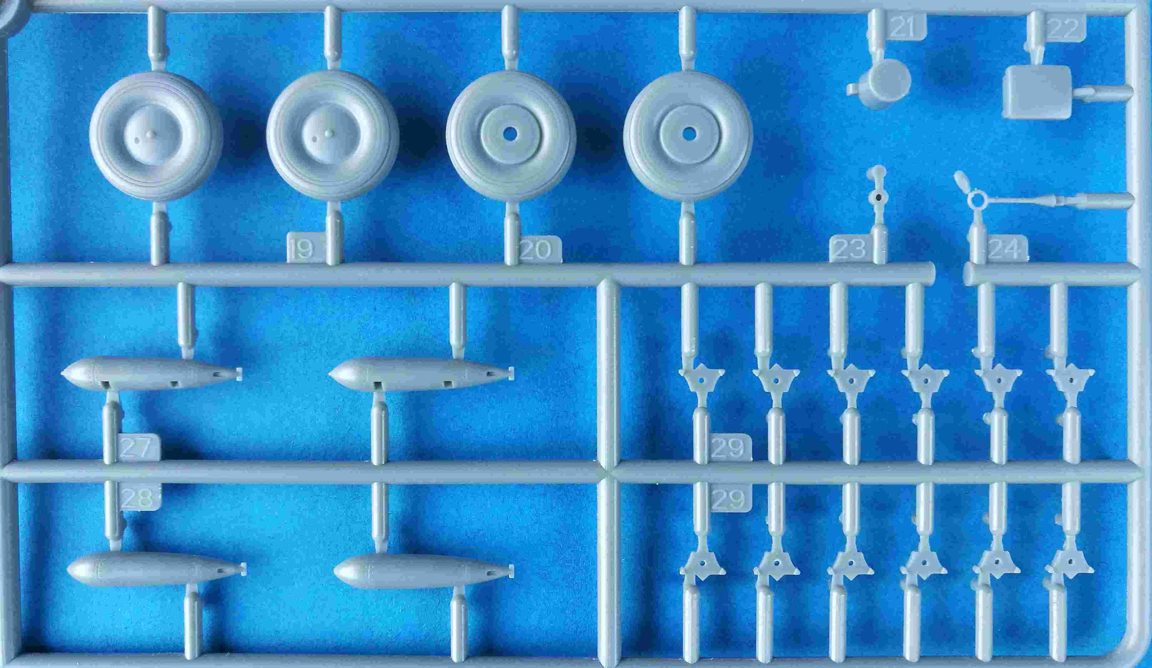 Trumpeter-02880-Fairey-Albacore-5 Fairey Albacore in 1:48  Trumpeter # 02880