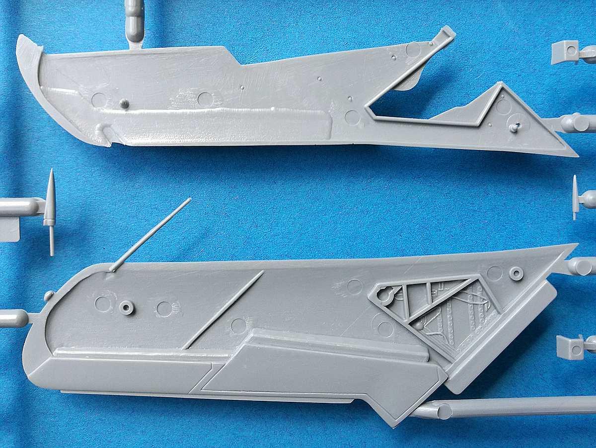 Zvezda-7318-MiG-17-26 MiG-17 Fresco in 1:72 von Zvezda # 7318