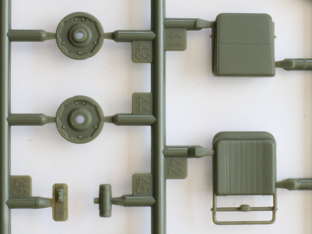 A-1-1 Soviet UAZ-469 All Terrain Vehicle 1:35 Trumpeter (#02327)