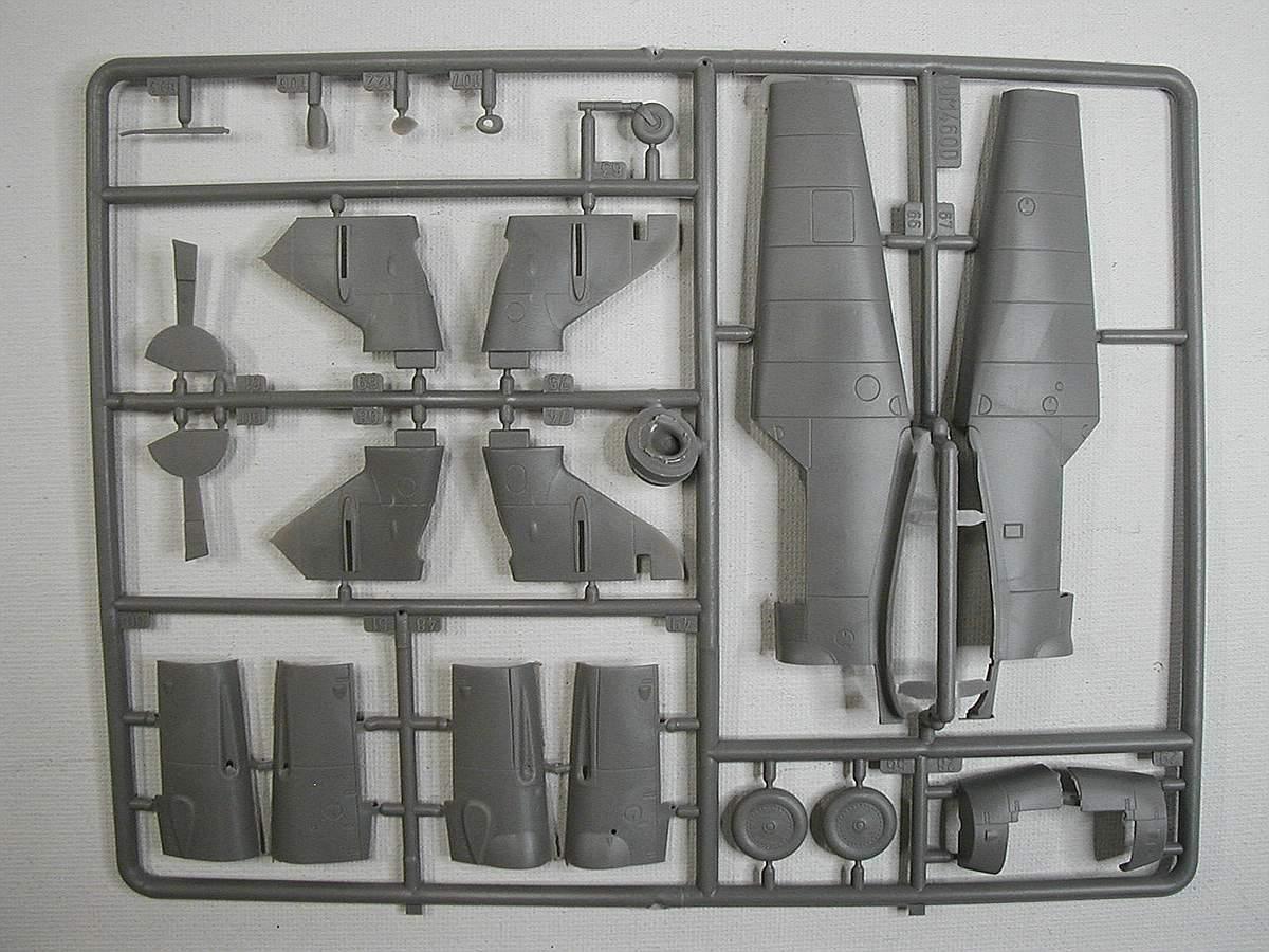 AMG-48-702-Me-Bf-109-G-12-17 Messerschmitt Bf 109 G-12 Trainer in 1:48 von AMG 48-702
