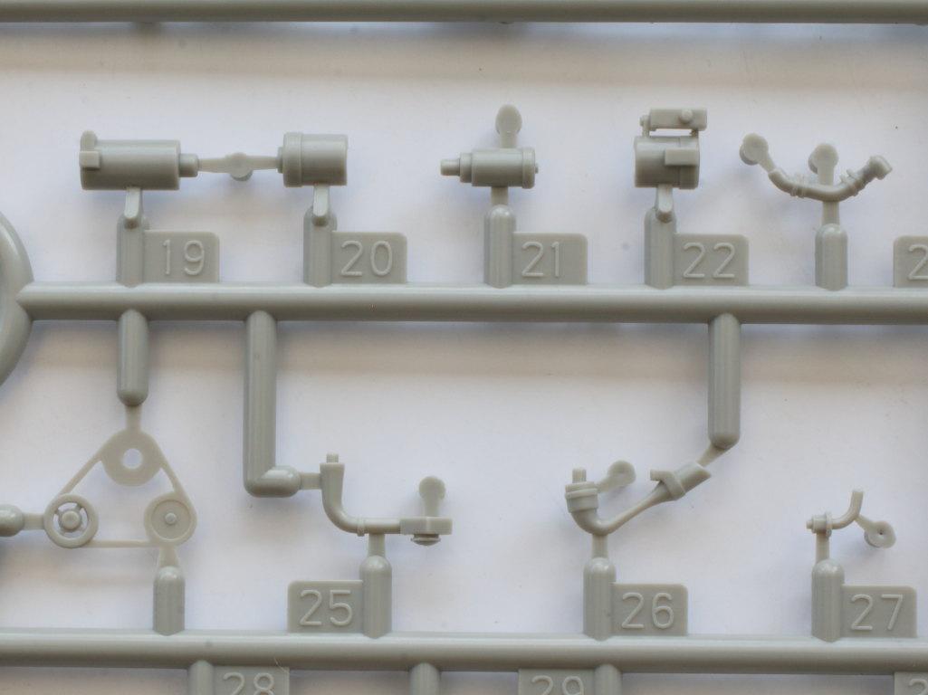 D-5 Russian BTR-40 APC 1:35 Trumpeter (#05517)