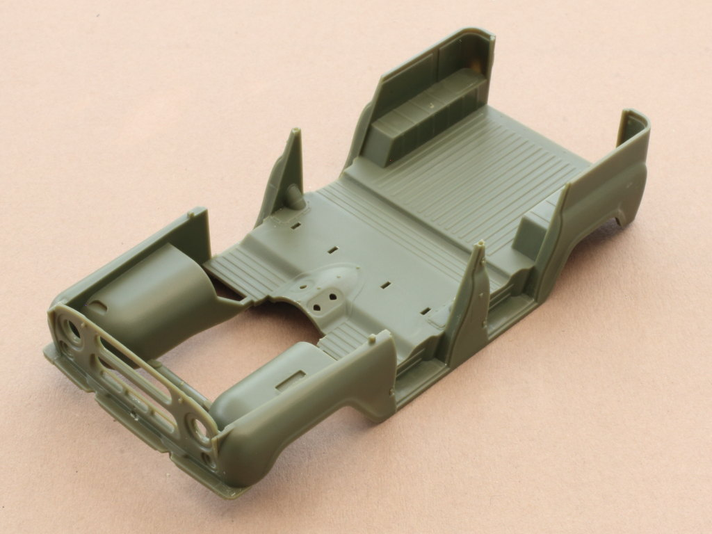Karo Soviet UAZ-469 All Terrain Vehicle 1:35 Trumpeter (#02327)