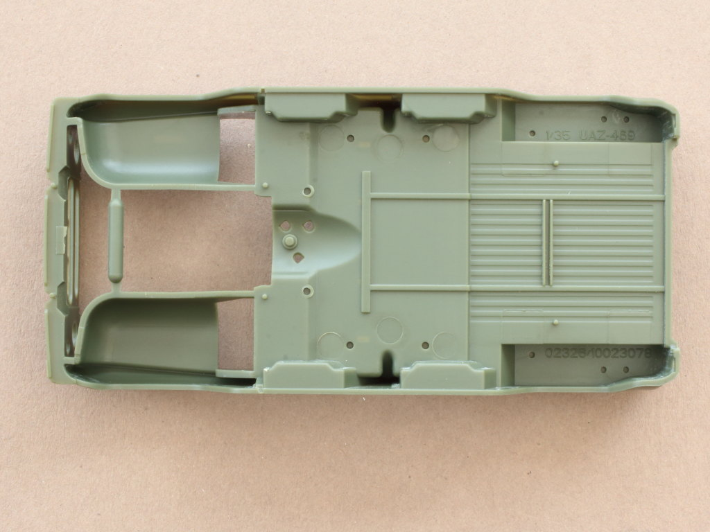 Karo2 Soviet UAZ-469 All Terrain Vehicle 1:35 Trumpeter (#02327)