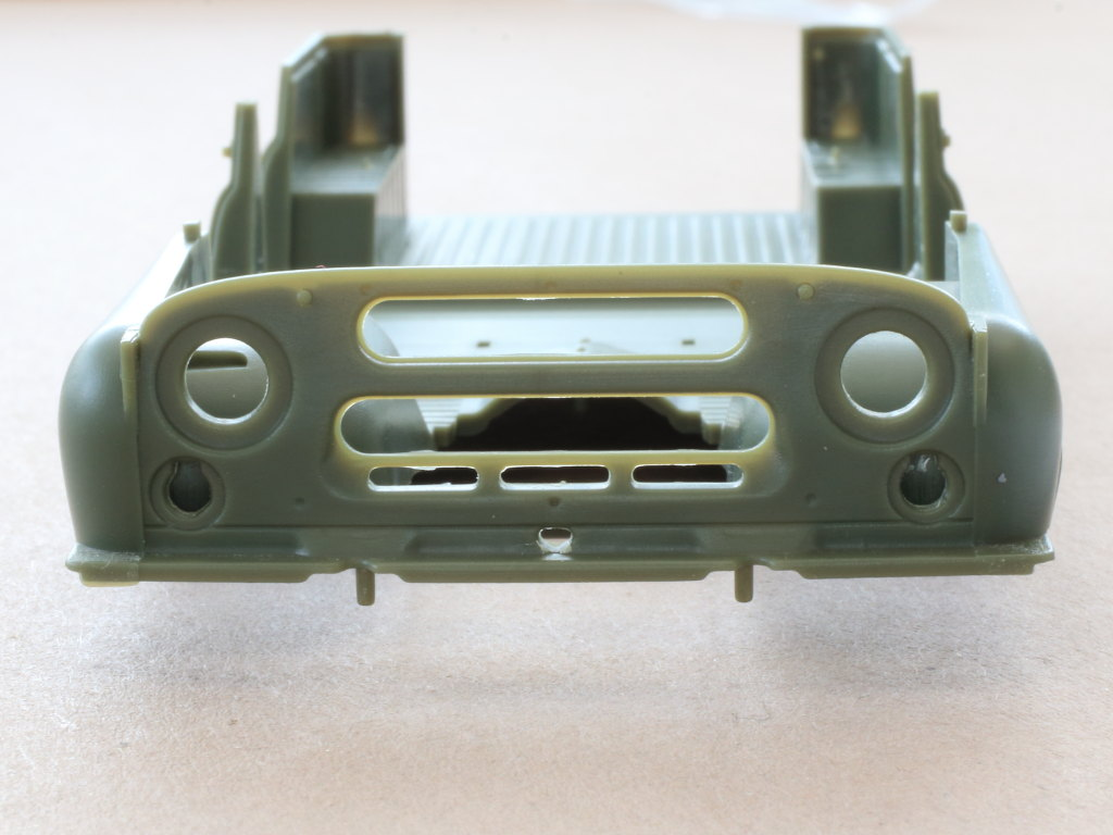 Karo3 Soviet UAZ-469 All Terrain Vehicle 1:35 Trumpeter (#02327)