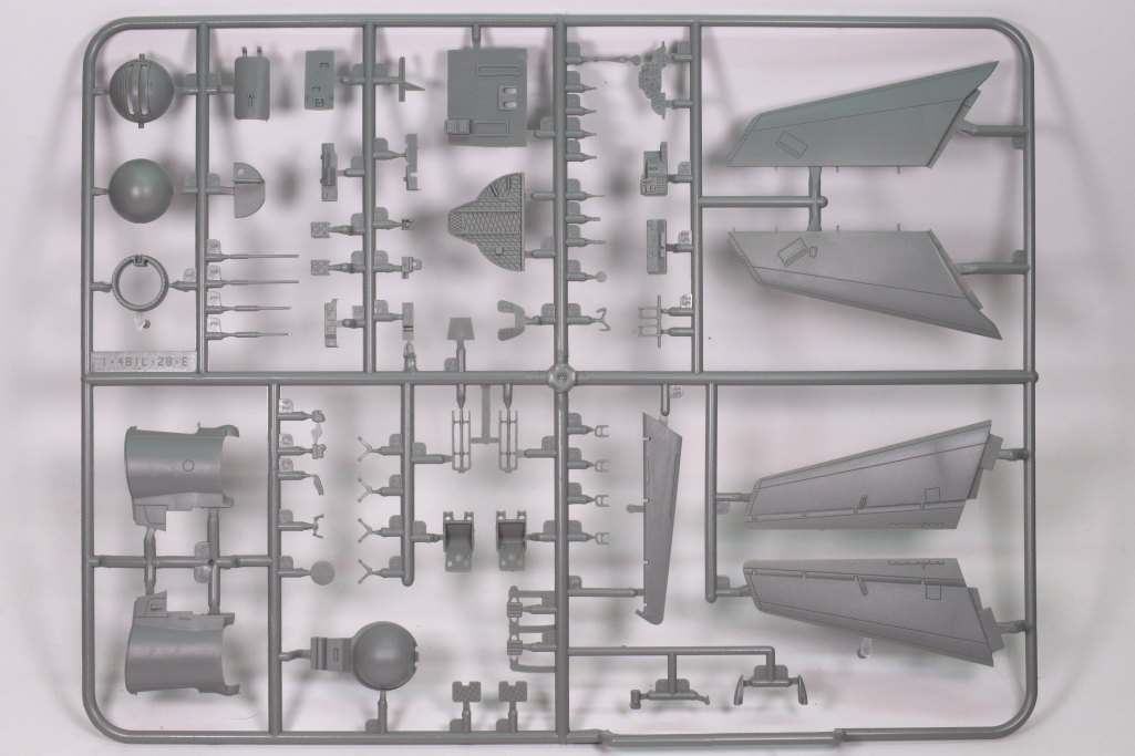 "Review_Bobcat_IL-28T_15 Iljuschin IL-28T ""Beagle""  -   Bobcat 1/48"