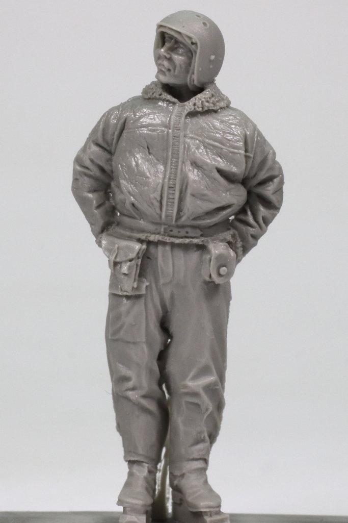 Review_aerobonus_soviet_pilot_04 Soviet Air Force Fighter Pilot (Winter Suit) - aerobonus 1/48