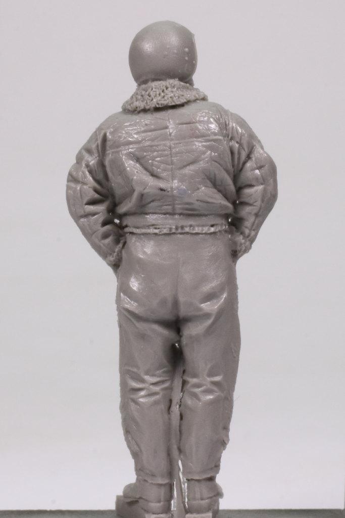 Review_aerobonus_soviet_pilot_05 Soviet Air Force Fighter Pilot (Winter Suit) - aerobonus 1/48