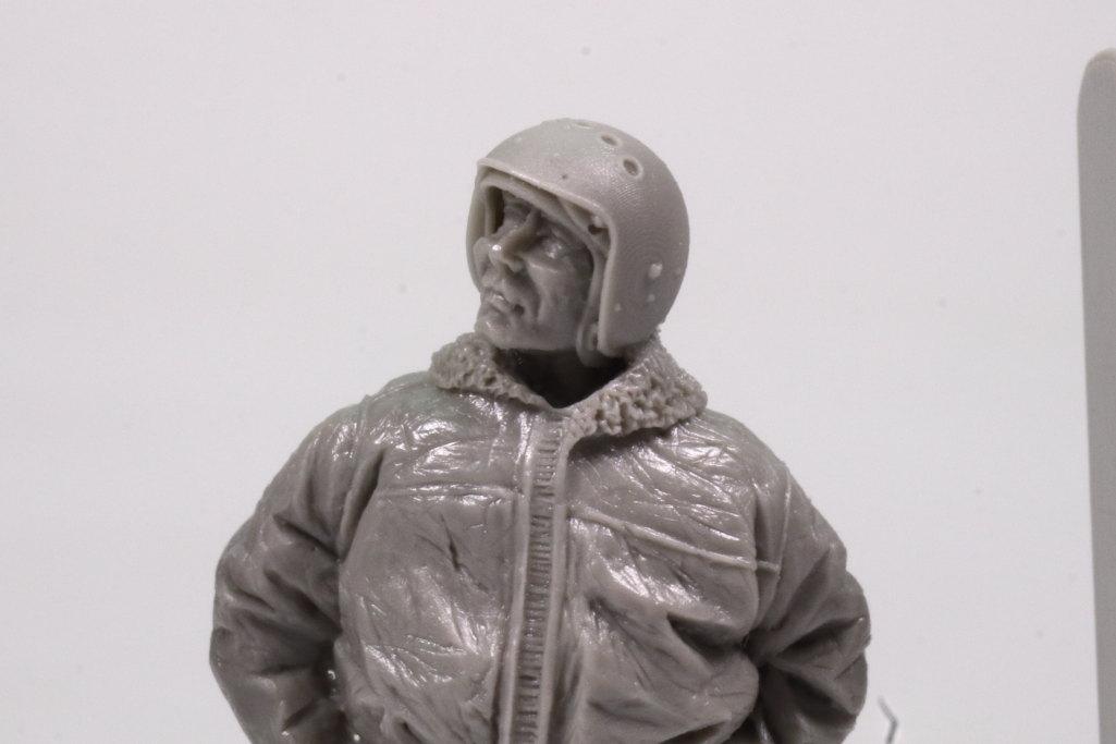 Review_aerobonus_soviet_pilot_06 Soviet Air Force Fighter Pilot (Winter Suit) - aerobonus 1/48