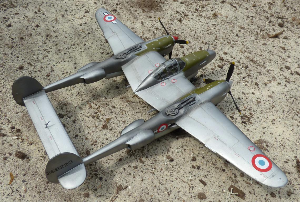 St.-Exupery-P-38-3 St. Exupérys -38 Lightning im Maßstab 1:48
