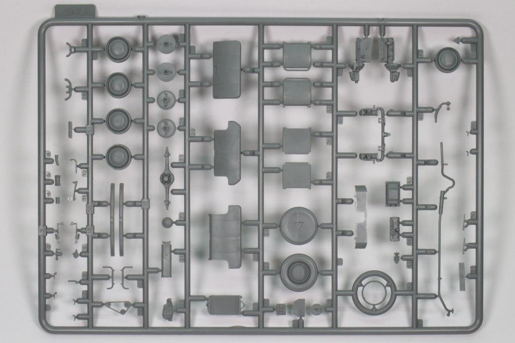 Review_ICM_Kadett_K38_Cabrio_01 Opel Kadett K38 Cabriolimousine - ICM 1/35