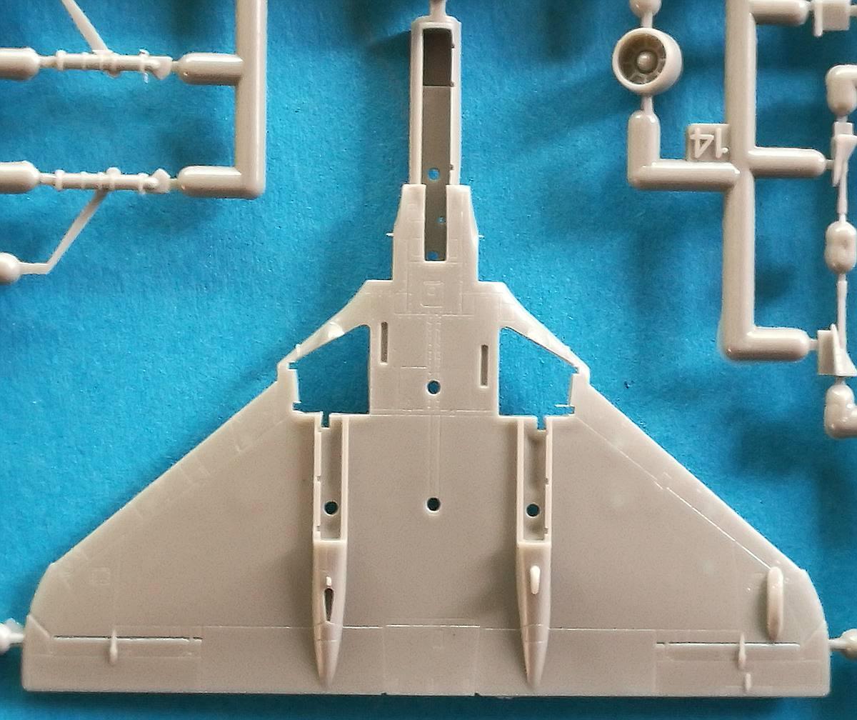 Eduard-4466-A-F-18 A-4F Skyhawk in 1:144 von Eduard #4466