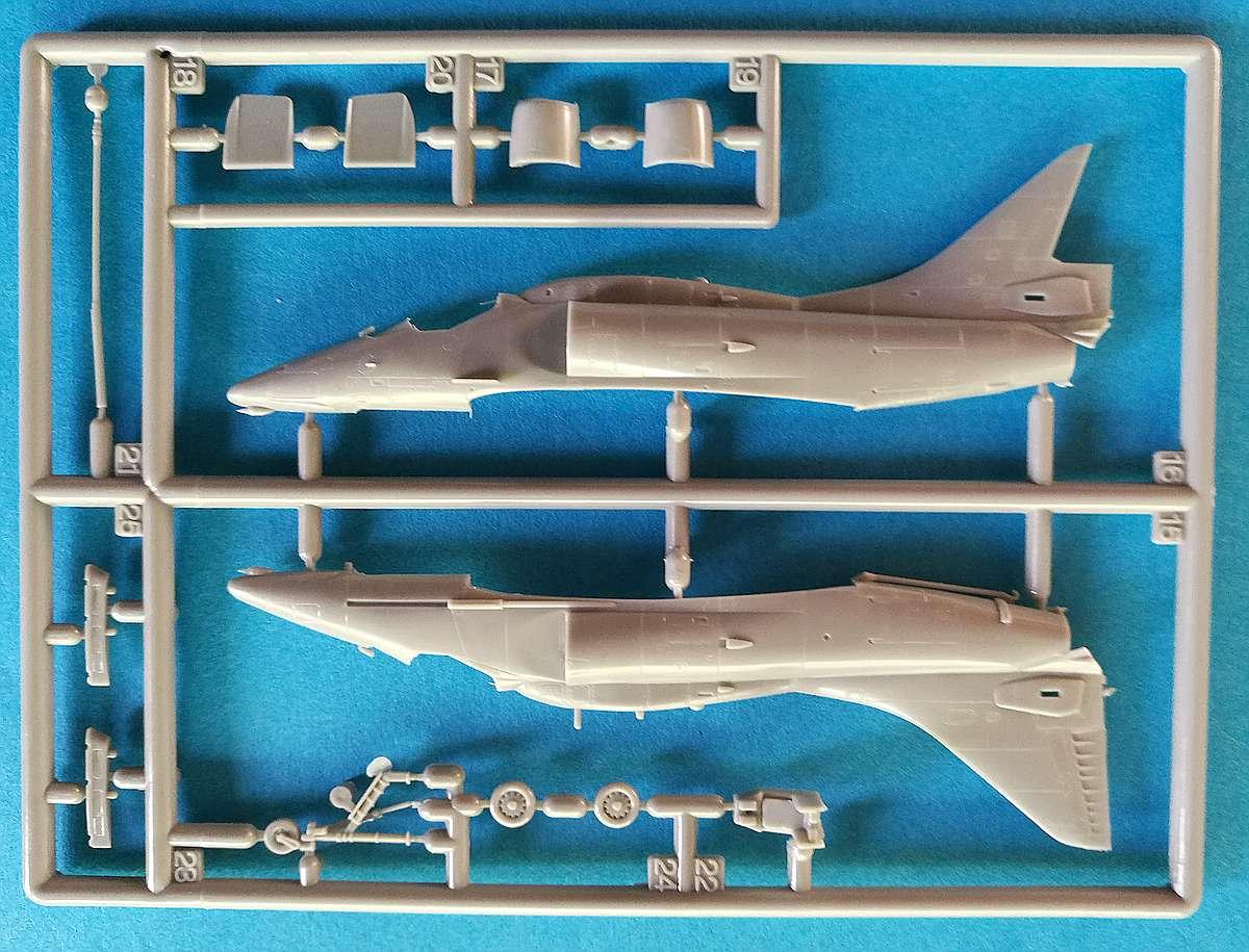 Eduard-4466-A-F-7 A-4F Skyhawk in 1:144 von Eduard #4466