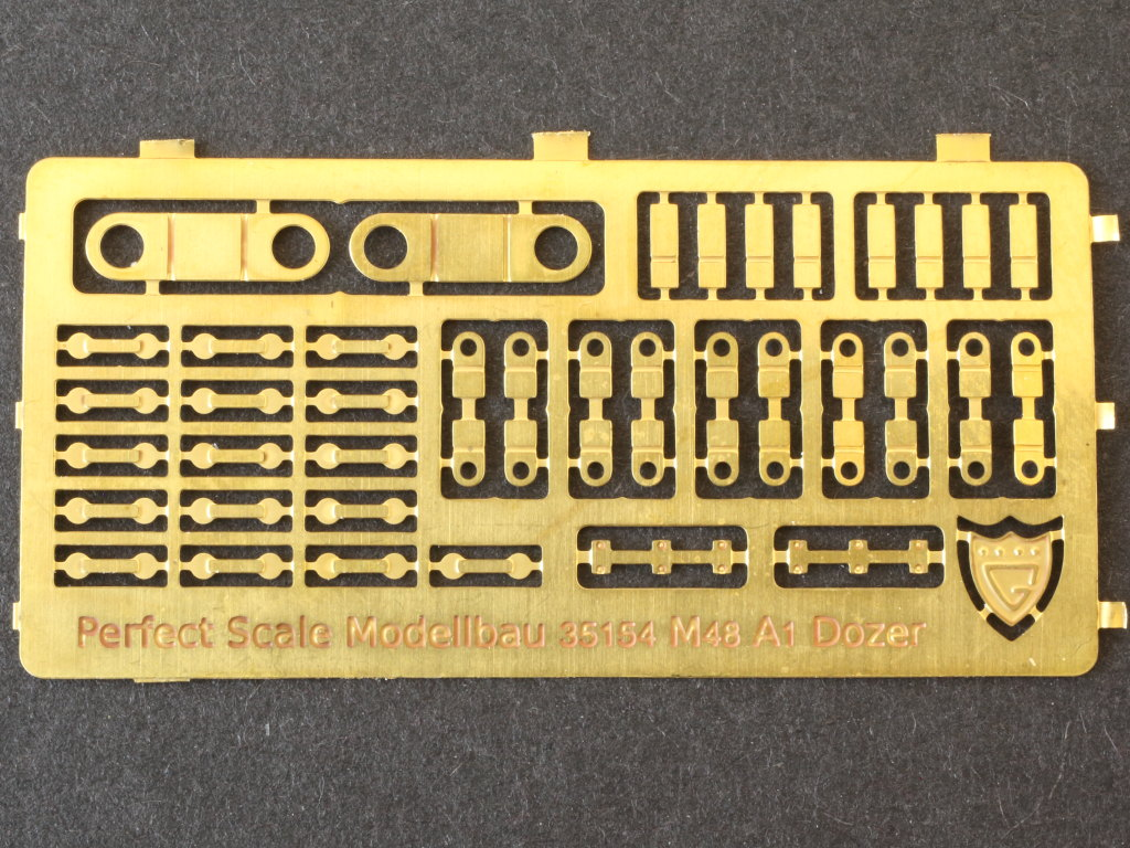 IMG_0071 M48A1 Dozer Blade Kit 1:35 Perfect Scale (#35154)