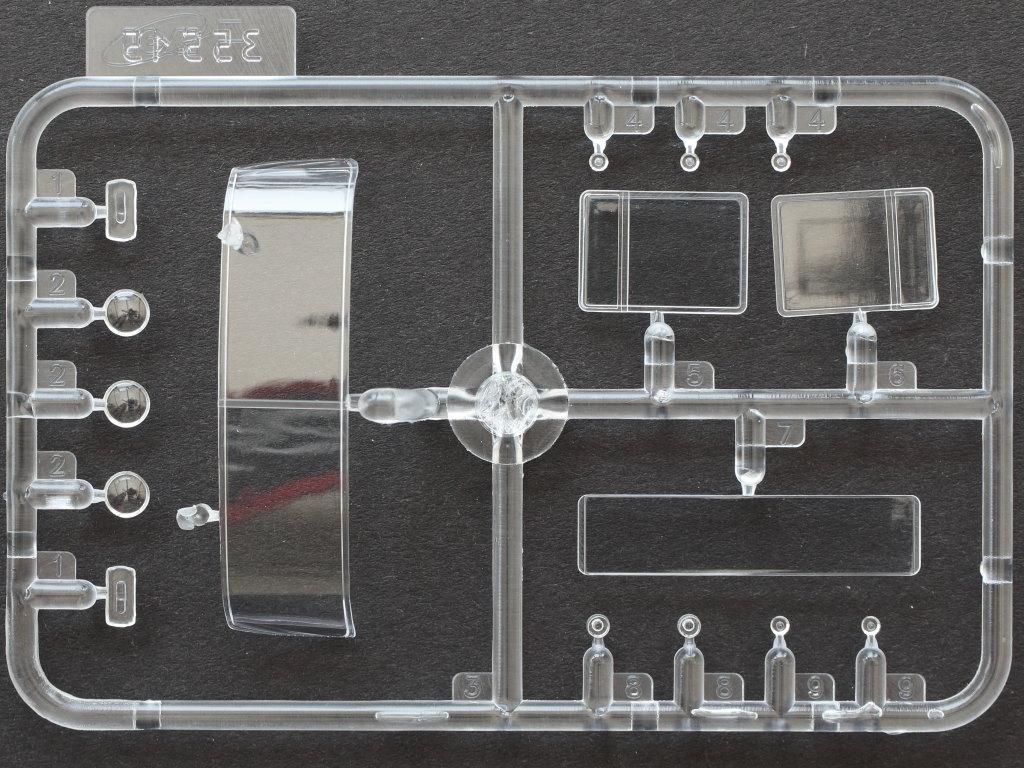 Klarsichtteile1 ZiL-131 KShM with Soviet Drivers 1:35 ICM (35524)
