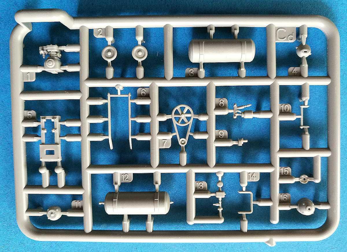 MiniArt-35596-Garage-Workshop-15 Garage Workshop in 1.35 von MiniArt #35596