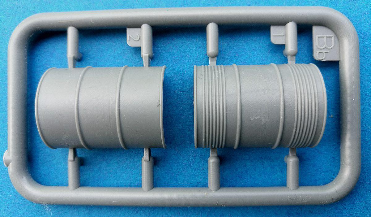 MiniArt-35596-Garage-Workshop-22 Garage Workshop in 1.35 von MiniArt #35596