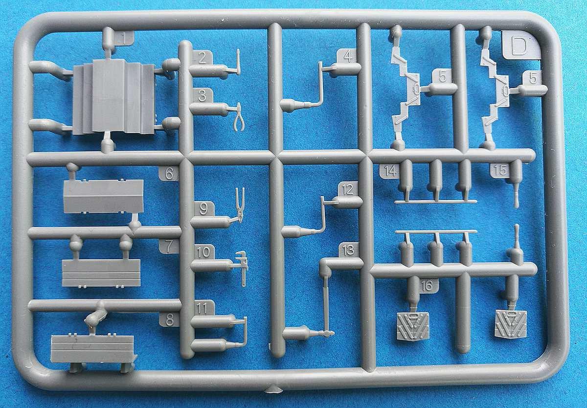 MiniArt-35596-Garage-Workshop-24 Garage Workshop in 1.35 von MiniArt #35596