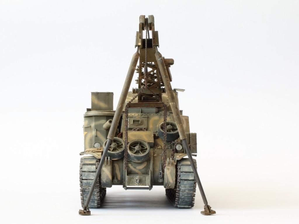 E-5 Build Review M31 U.S. Tank Recovery Vehicle 1:35 Takom (#2088)