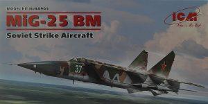 MiG-25BM in 1:48 von ICM #48905