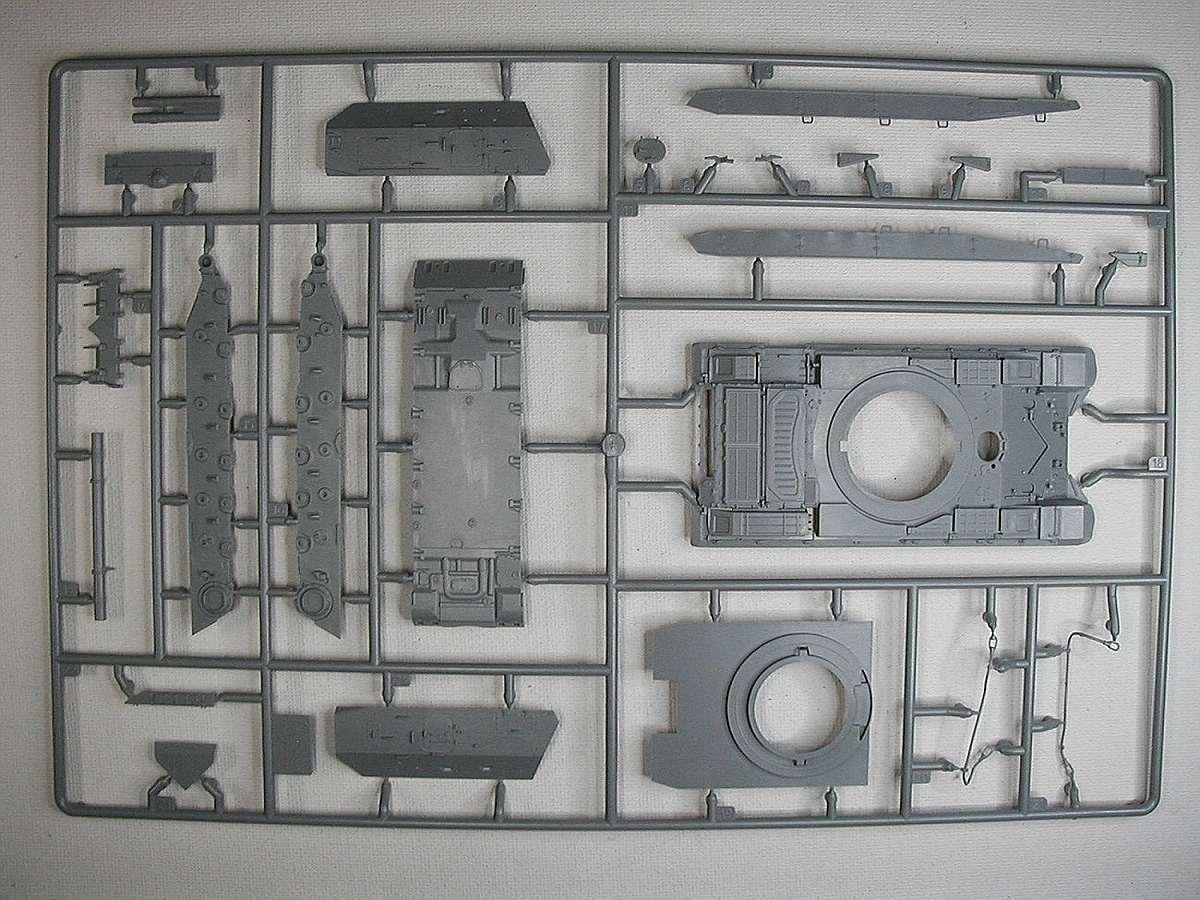 Zvezda-5045-MSTAS-152mm-Selbstfahrhaubitze-2 MSTA-S 152mm Selbstfahrhaubitze in 1:72 von Zvezda #5045