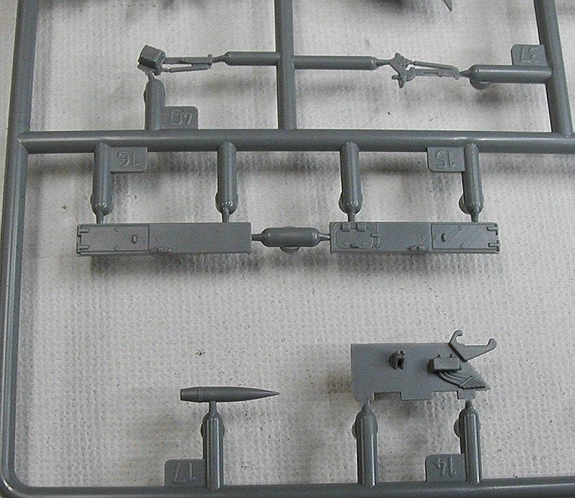Zvezda-5045-MSTAS-152mm-Selbstfahrhaubitze-7 MSTA-S 152mm Selbstfahrhaubitze in 1:72 von Zvezda #5045