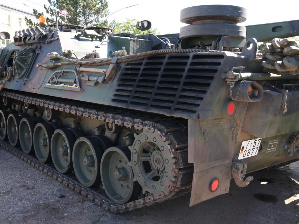 3 Bergepanzer 2 Standard 1:35 Takom (#2122)